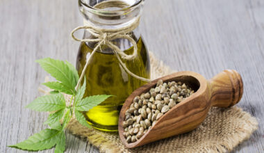 5 Benefits of Using Full-Spectrum CBD Oil (They Might Not Be What You Think)